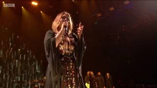 Скачать ADELE Set Fire To The Rain Glastonbury 2016 Full HD