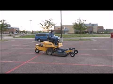 Excel Hustler 24696 zero turn lawn mower for sale | sold at auction August 20, 2014