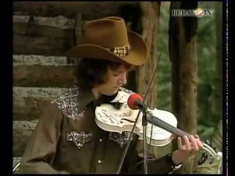 "Best 13-year old fiddler, Mark O'Connor plays ""Tom and Jerry"" on the Porter Wagoner Show (1975)"