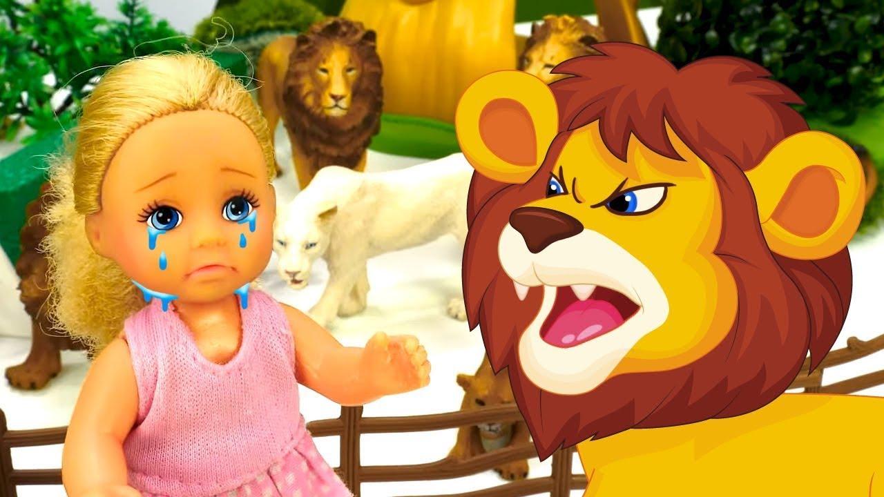 Штеффи потерялась в Зоопарке. Чем занята кукла Барби? Видео для девочек