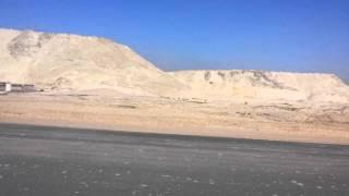 شاهد جبال الرمال الناتجة من الحفر بالقطاع الاوسط  بقناة السويس الجديدة 29يناير2015