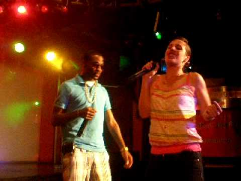 muGz & Shiness performing @ Fuzzy's