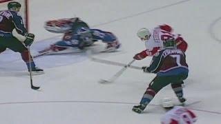 Fedorov: Dekes Out Patrick Roy (1996)