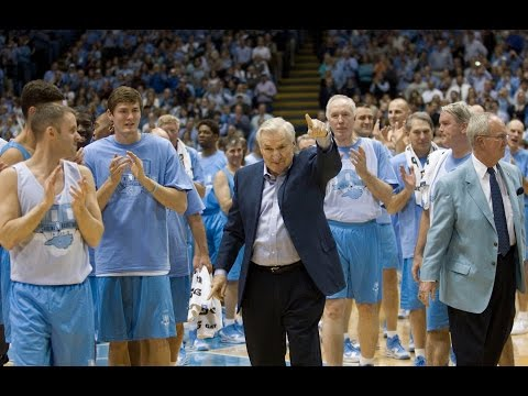 Dean Smith, 83, innovative coach who inspired loyalty