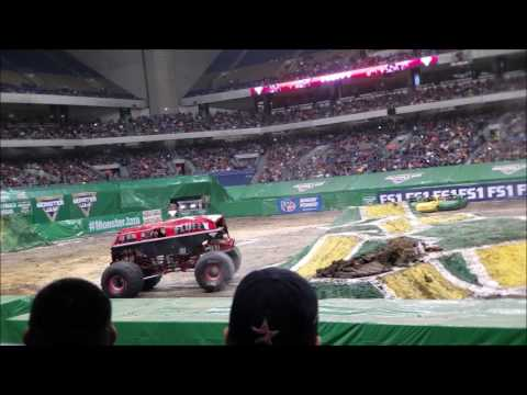 SAT 3RD ROW! Monster Jam in Alamodome - San Antonio Texas 1/22/17