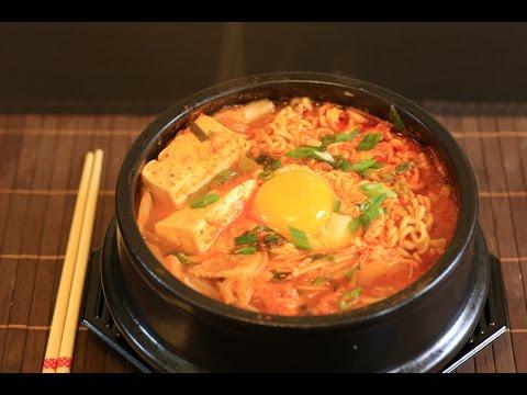 Kimchi Noodle Soup - Mì Kimchi Hàn Quốc