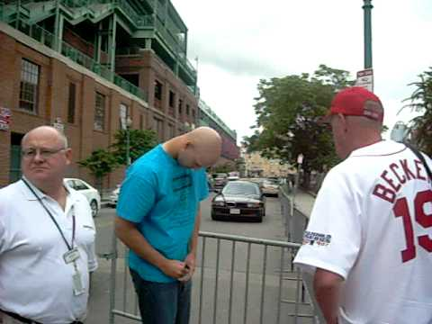 Justin Masterson signs autographs
