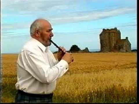 "Scottish tin whistle : Alex Green - ""Lochaber Gathering / Tam Bain's Lum"""