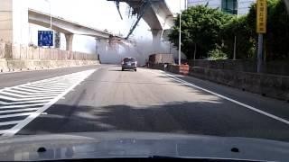 2012.10.21 早上8:50左右國道一號北上內壢交流道入口的工安意外.