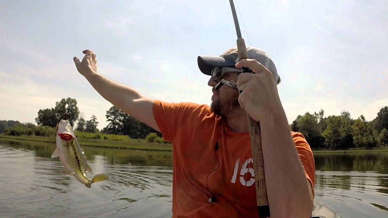 Fishing lake acworth 39 s magic point youtube for Lake acworth fishing
