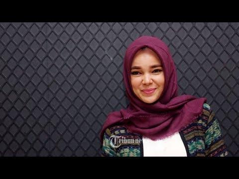 Dewi Sandra Nyaman di Rumah Tawaran Pekerjaan Berkurang