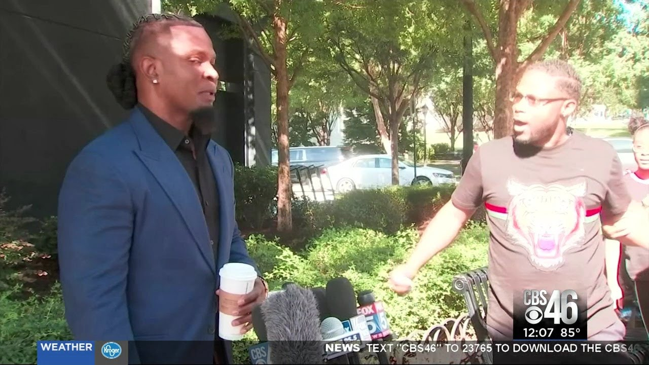 Father confronts R. Kelly's publicist during press conference