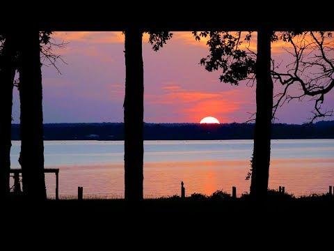 A LITTLE SLICE OF HEAVEN | Lake house part 1.