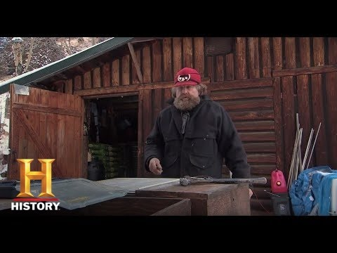 Mountain Men: Rich Builds Portable Dog Boxes (Season 4, Episode 13) | History