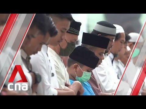 Muslims in Indonesia mark Ramadan amid unprecedented COVID-19 lockdown