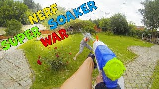 Nerf Super Soaker War: Brother vs Sister