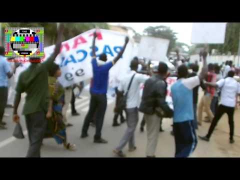 Les partisans de Pascal Bodjona manifestent devant le tribunal