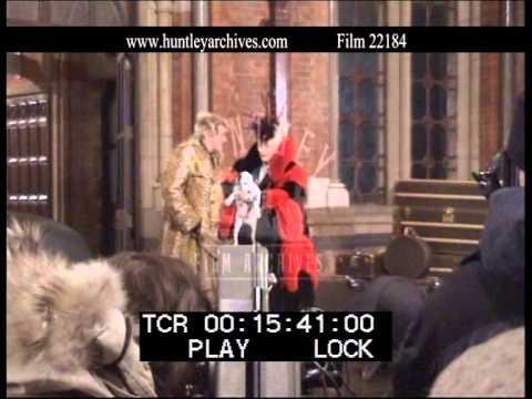 Parrots, Puppies and Animatronics!, 2000  Film 22184