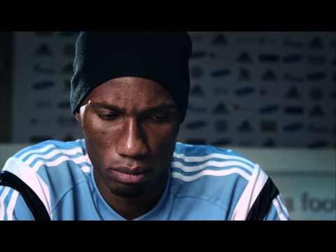 """""""11 contre Ebola"""" Didier Drogba"""
