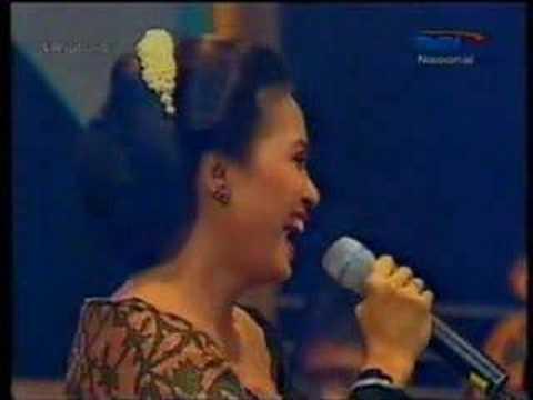 Gambang Semarang - Sundari Soekotjo & Jen Retno