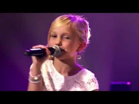 9Year Old Josefien Sings Carpenters Top Of The World  Angelic Voice  Wow