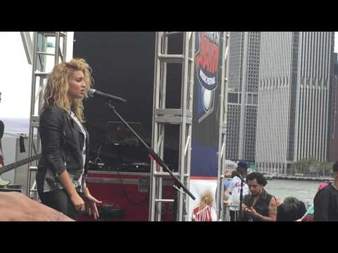 City Dove - Tori Kelly live NYC 2nd Mets Annual Festival 9/12/15