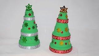 Einen Weihnachtsbaum aus Tontöpfen basteln