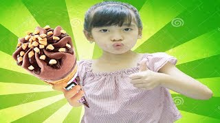 Funny Kids Eating Ice Cream Song for Children | Nursery Rhymes by LaLa Kids TV
