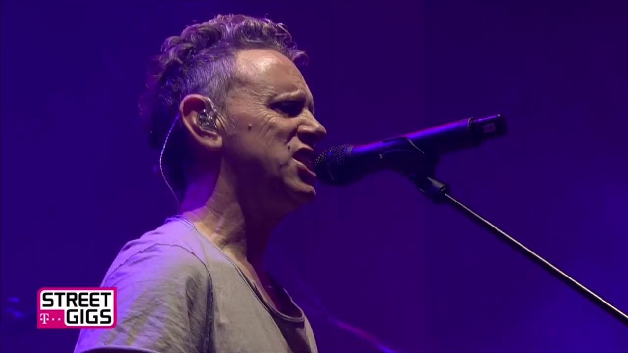 Depeche mode live in berlin 2017 youtube - Depeche mode in your room live 2017 ...