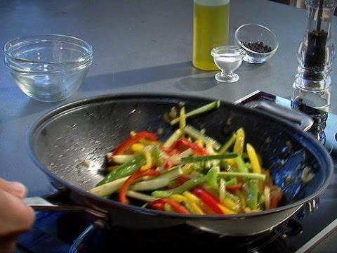 technique de chef faire sauter au wok