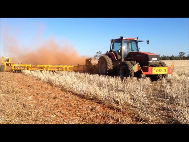 Ajustabar working a 20 bag oat stubble