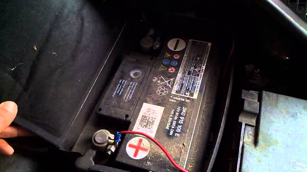 where is the battery in a skoda octavia 2008 2012