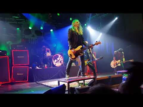 Backyard Babies - A Song for The outcast LIVE 2016 Tour By Tour mp3