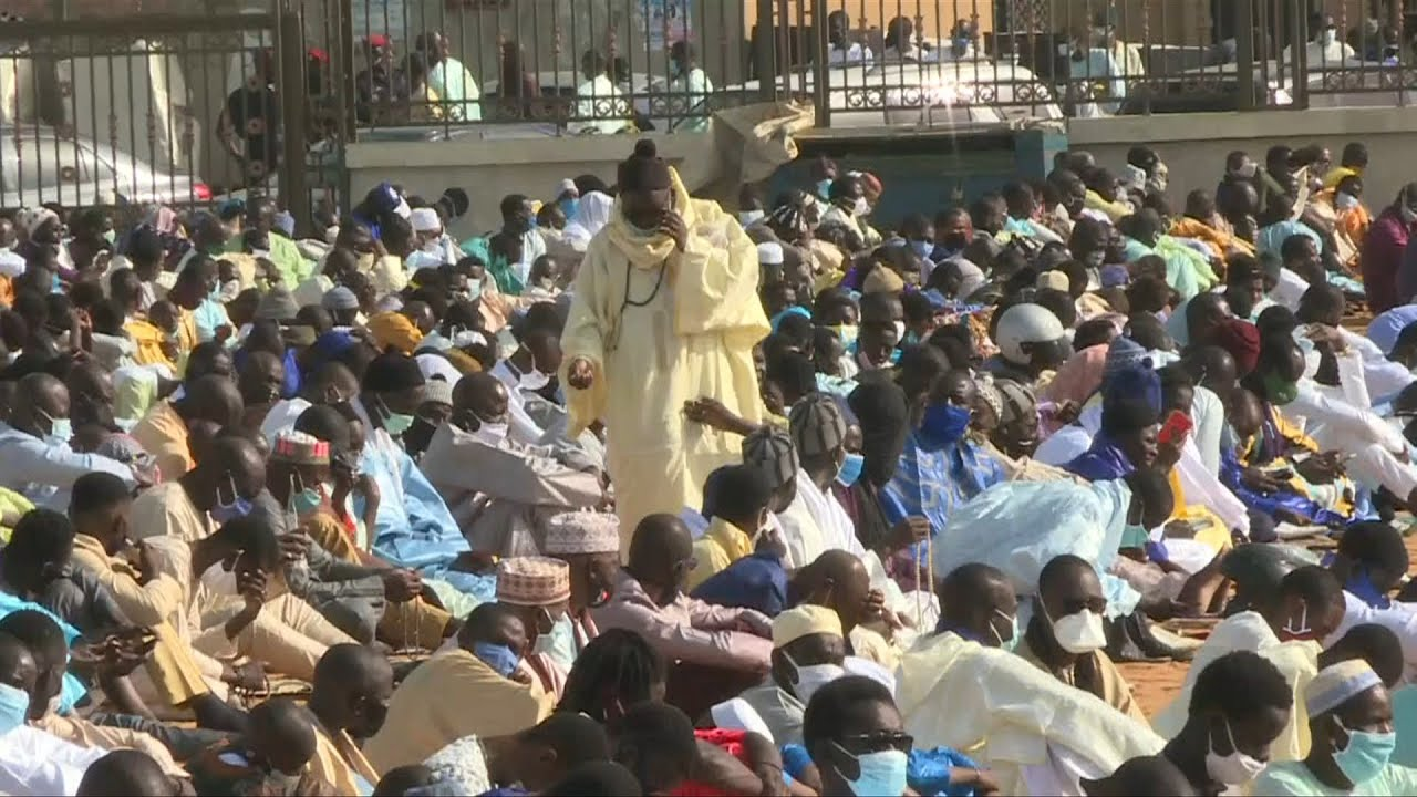 Vidéo – Sénégal : les fidèles se rassemblent pour les prières de l'Aïd à Dakar