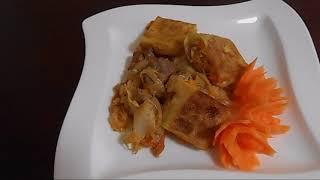 Штрудель на капусте с мясом.Украшение блюд - цветы из моркови.