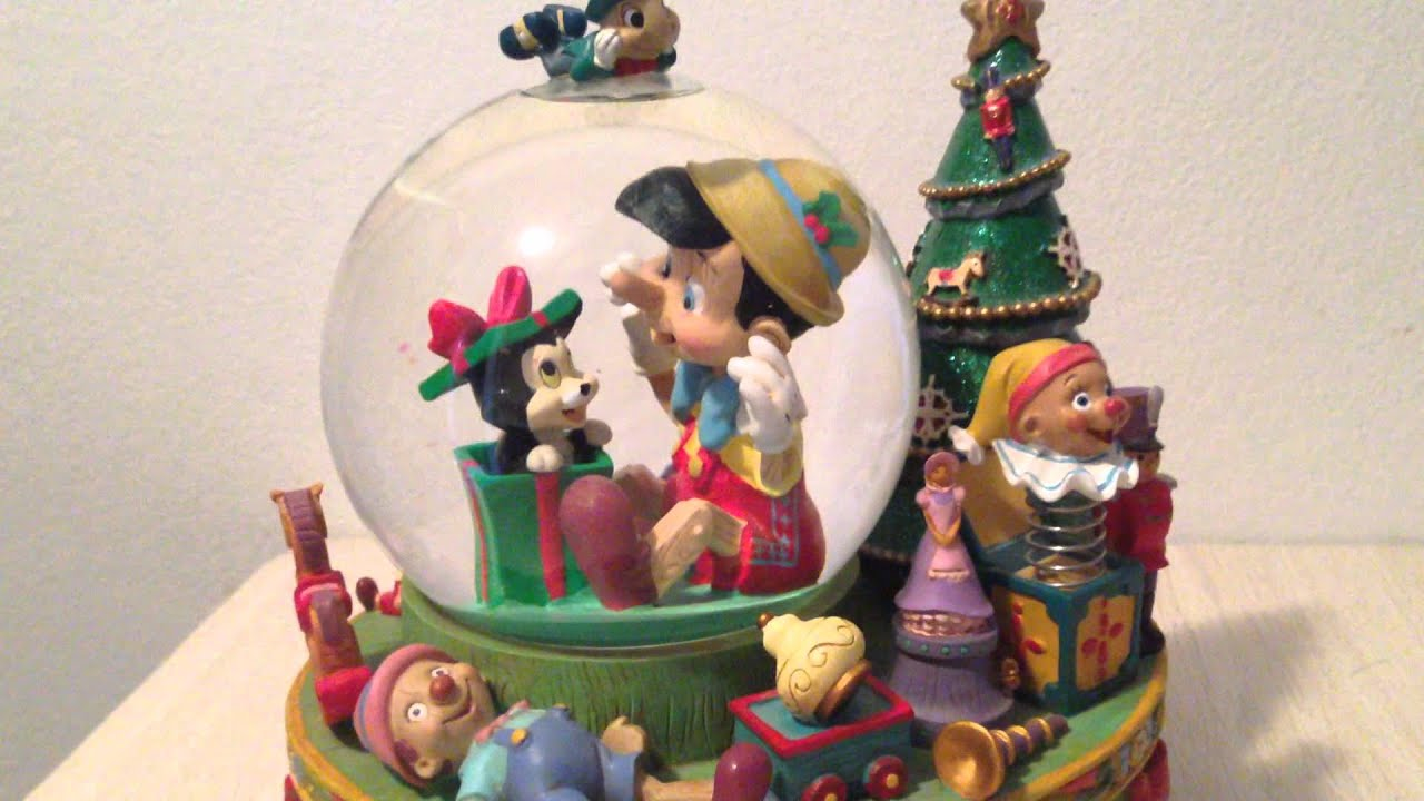 Disney Pinocchio Christmas Musical Snow Globe - YouTube