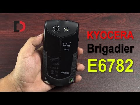 Trên tay Kyocera Brigadier E6782 dành cho Phượt thủ, Tiêu chuẩn Quân đội