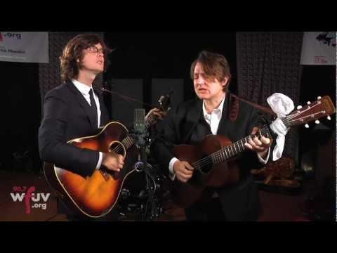 """The Milk Carton Kids - """"Snake Eyes"""" (Live at WFUV)"""