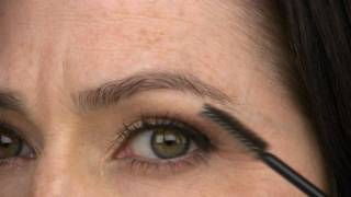 Makeup after 40: Learn Eyebrow Waxing, Tweezing, Pencils and Stencils Thumbnail