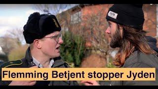 JYDEN FÅR STØD AF FLEMMING BETJENT (Nyt fra Jylland) thumbnail