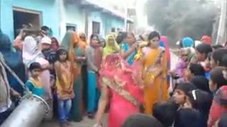 PAKISTANI DESI GIRL HOT MUJRA   LATEST PAKISTANI MUJRA 2015   Video Dailymotion