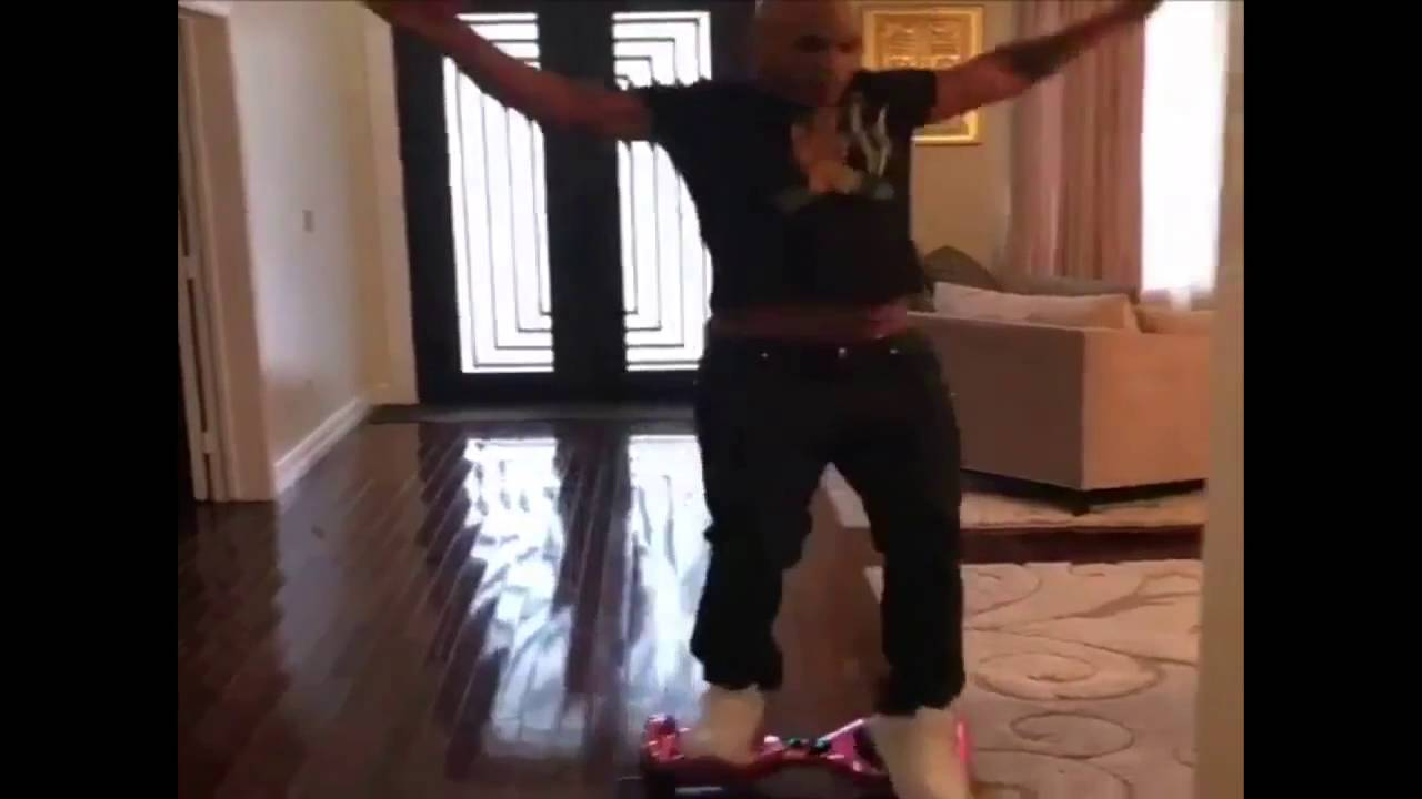 Майк Тайсон упал Mike Tyson wipe out on a hoverboard
