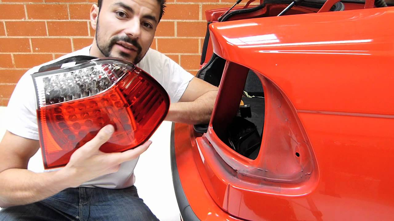 how to change venza reverse tail lights