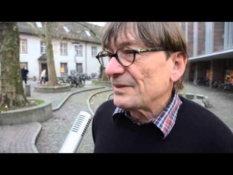 Performance in Freiburg: Kleinwüchsige Prostituierte
