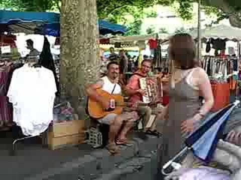 Prades market musicians