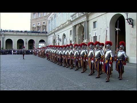 Intense swearing-in ceremony of new Swiss Guards
