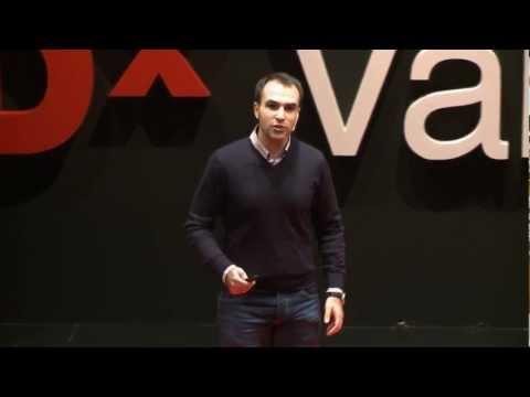 Buscando respuestas en tus genes: Alberto Acedo at TEDxValladolid