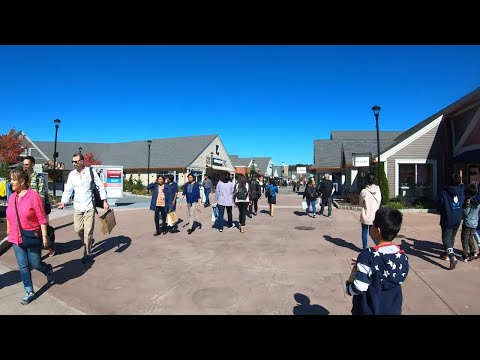 ⁴ᴷ⁶⁰ Walking Woodbury Common Premium Outlets, NY (Narrated) - October 14, 2019