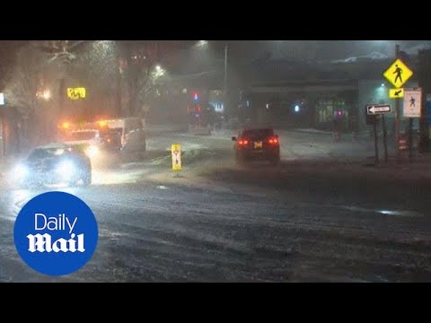 New Hampshire and the East Coast hit with fresh snowfall - Daily Mail