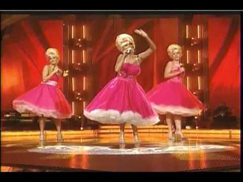 Carrie Underwood, Kristin Chenoweth, & Christina Applegate M